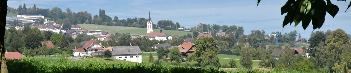 Kirche mit See